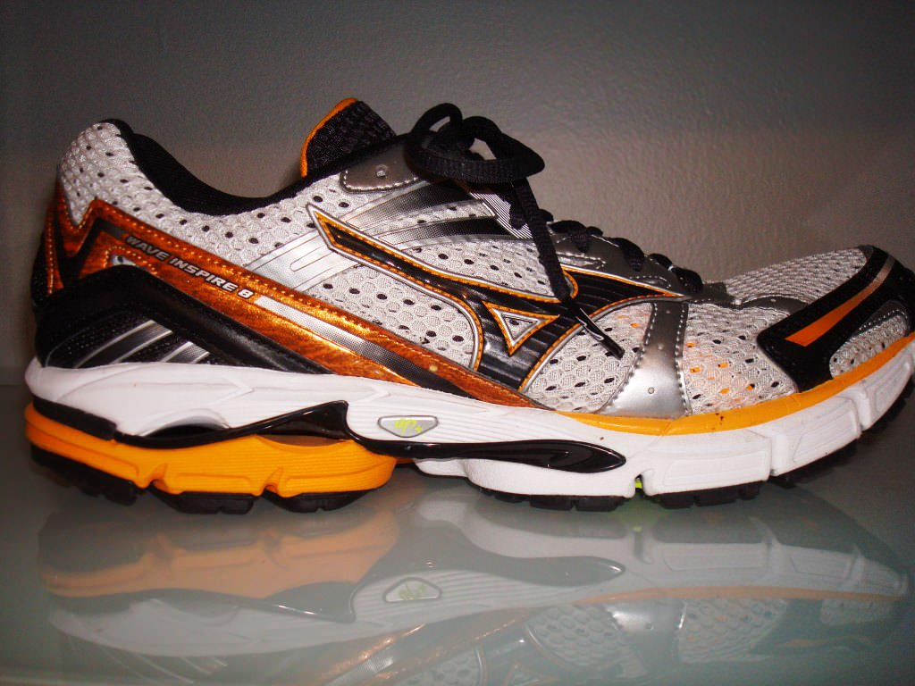 Running Shoes Mizuno Vs Asics