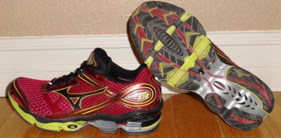 Mizuno Wave Creation 13 - Pair View Lateral and Outsole