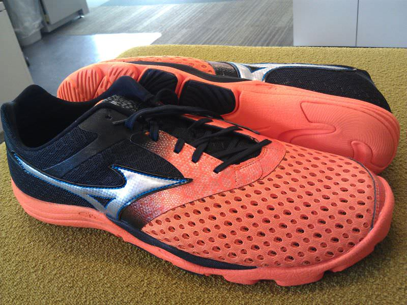 lateral look at the Mizuno Wave Cursoris