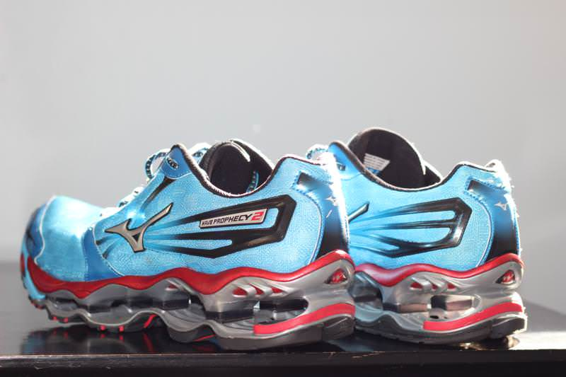 mizuno wave prophecy 2 2013