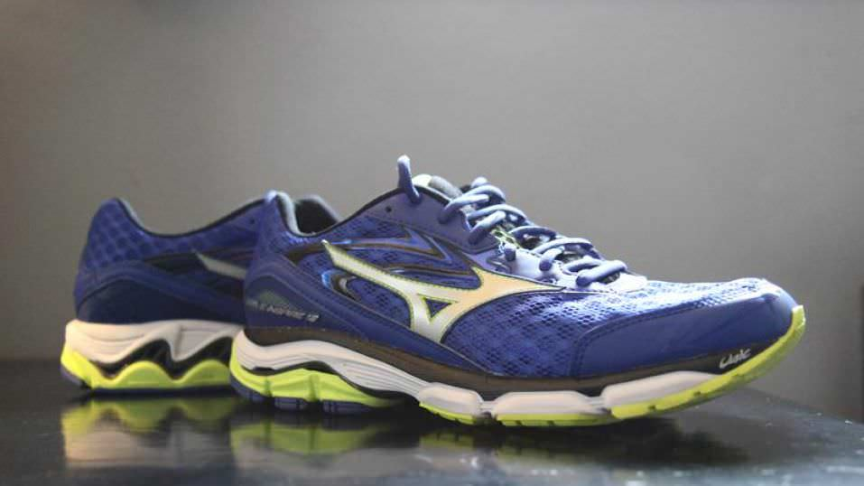 mizuno wave 12 running shoes