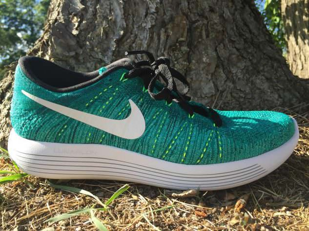 Nike LunarEpic Low Flyknit - Lateral Side