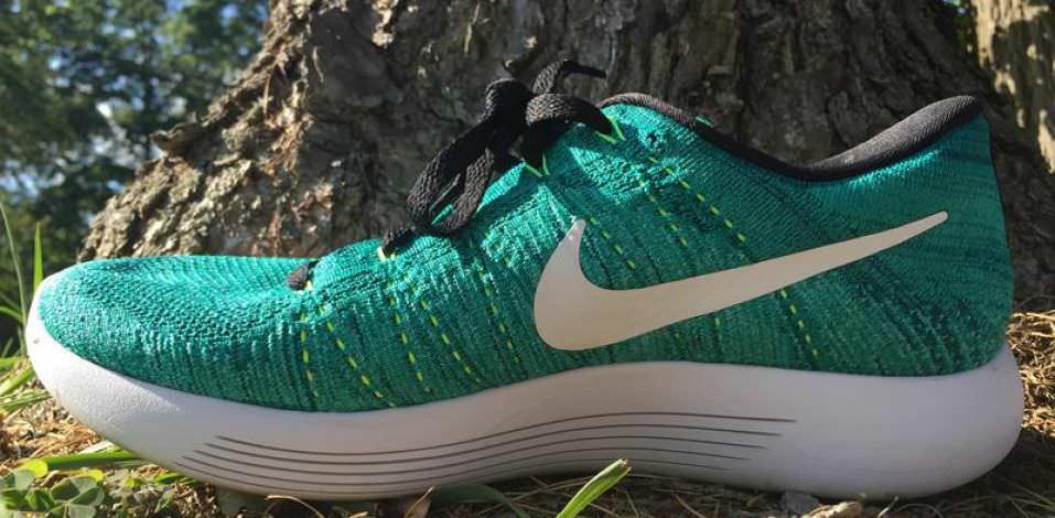 Nike LunarEpic Low Flyknit - Medial Side