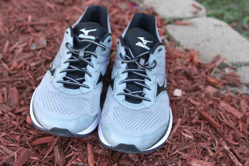 mizuno wave rider 20 running shoes review