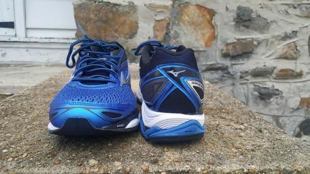 Mizuno Wave Inspire 13 - Toe and Heel