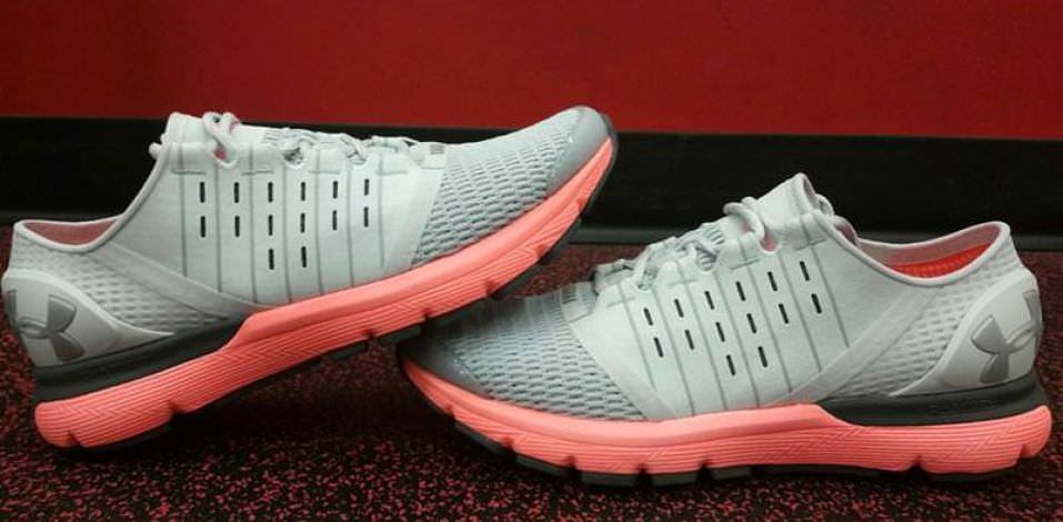 Under Armour Europa - Medial Side