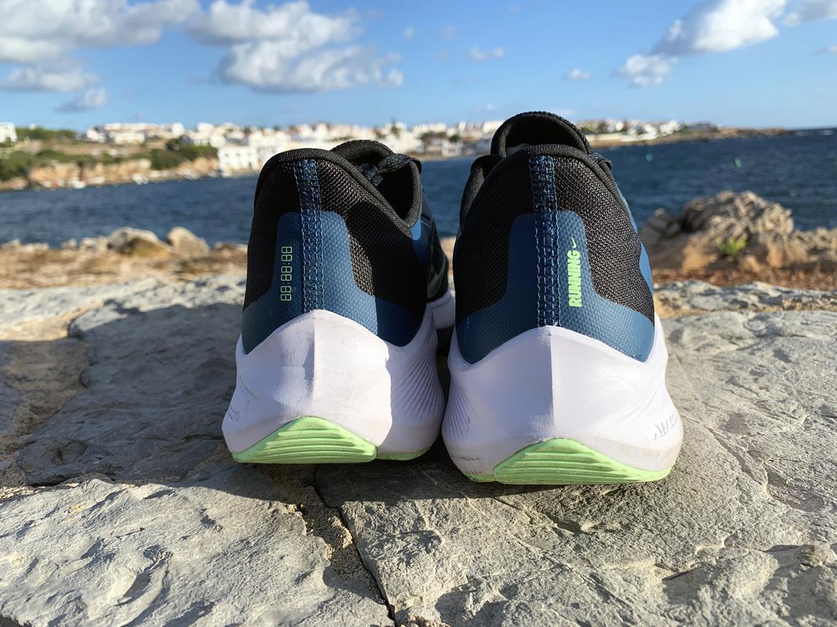 Nike Air Zoom Winflo 7 - Heel