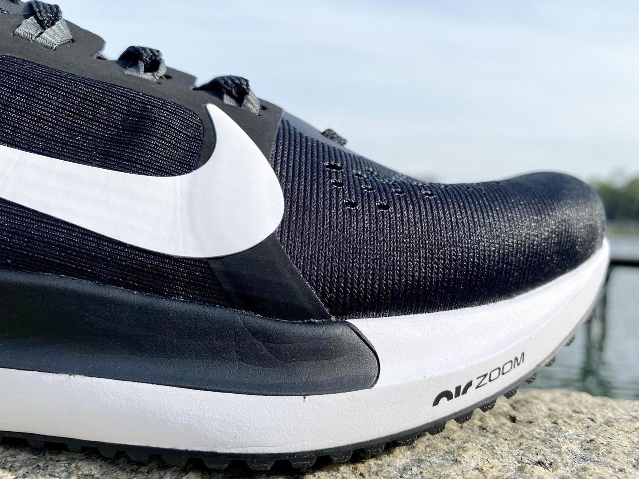 Nike Air Zoom Vomero 15 - Closeup