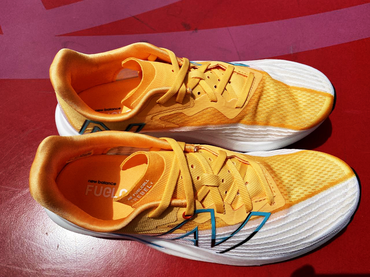 New Balance FuelCell Rebel v2 - Top