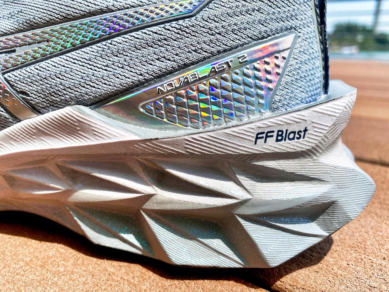 Asics Novablast 2 - Closeup Right Heel