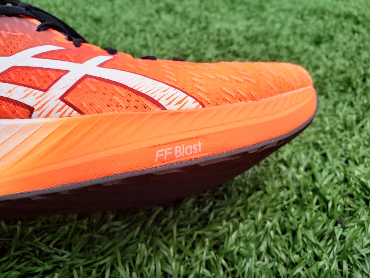 Asics Magic Speed - Lateral+Sole